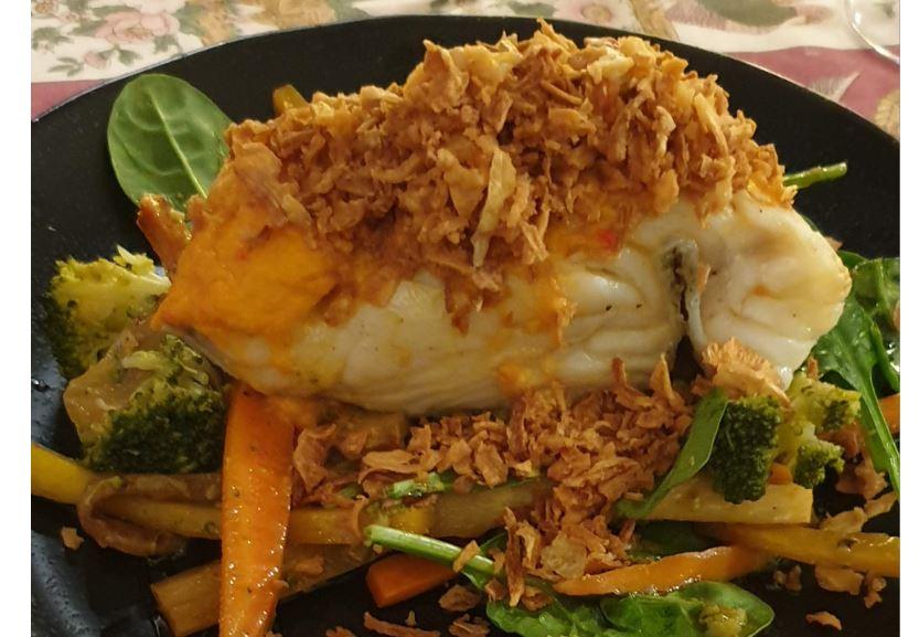 Ein eher modern zubereiteter Bacalhau mit leckerem, frischen Gemüse